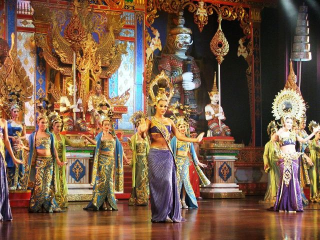 Alcazar Cabaret - rewia transwestytów w Pattayi (2009)