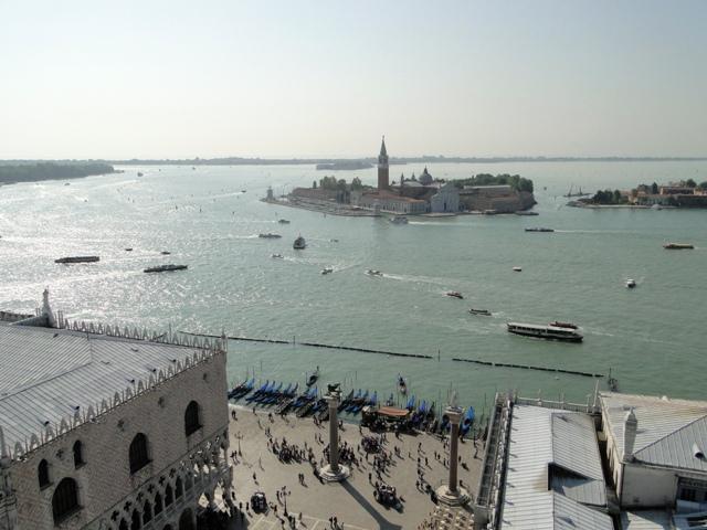 Widok z Campanile na Placu Św. Marka na kanał Św. Marka oraz wyspę Św. Jerzego (2011)