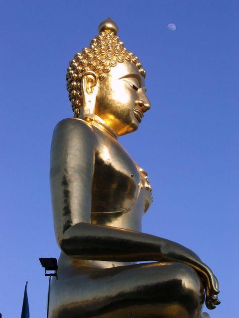 Posąd Buddy w rejonie Złotego Trójkąta nad rzeką Mekong (2009)