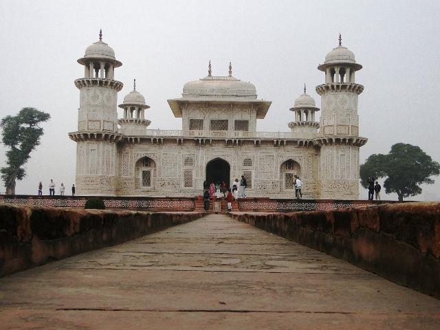 Indie Agra grobowiec Itimad ud Daulah zwany Małym Taj Mahal