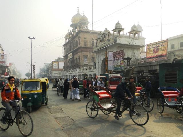 Indie Delhi ruch uliczny w rejonie rynku Chandni Chowk