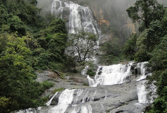 Wodospad Rawana Ella położony przy drodze  Ella – Kithalella (2011)