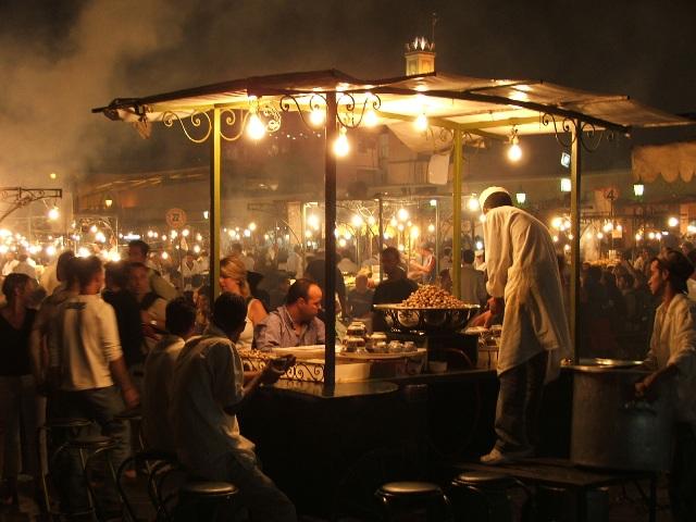 Plac Jemaa el-Fna nocą (Marakesz, 2005)