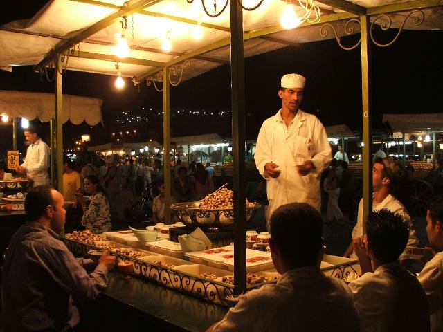 Plac Jemaa el Fna nocą (Marakesz, 2005)
