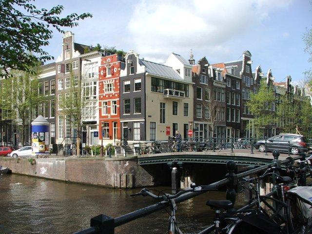 Kamienice i mosty oraz rowery (2008)