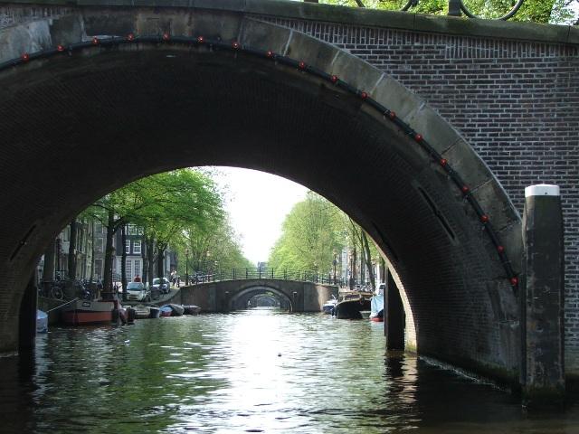 Mosty w Amsterdamie (2008)