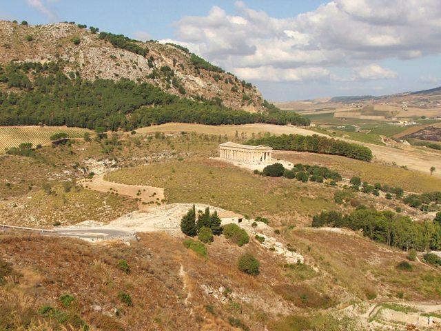 Pozostałości starożytnego miasta Segesta (Sycylia, 2008)