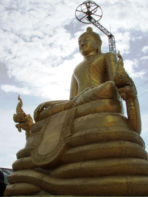 Posąg buddy na wzgórzach Nakkerd (2010)