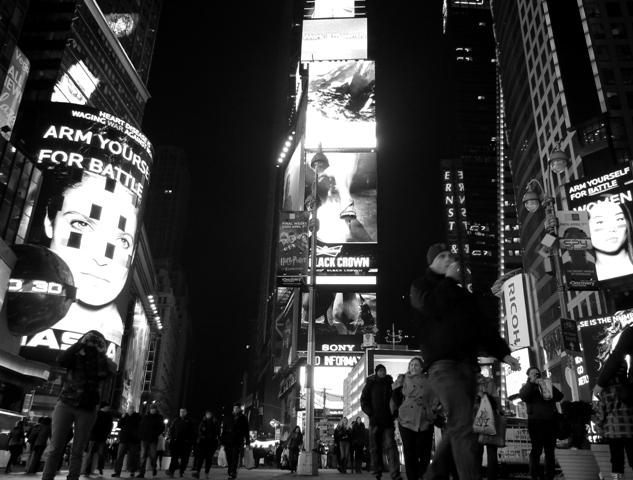 Times Square w czerni i bieli też robi wrażenie (2013)