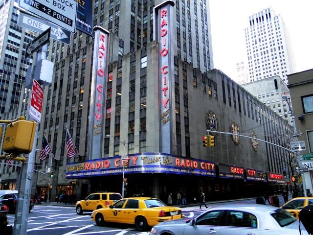 Radio City Music Hall - sala widowiskowa z 6200 miejscami nalezy do największych w USA (2013)