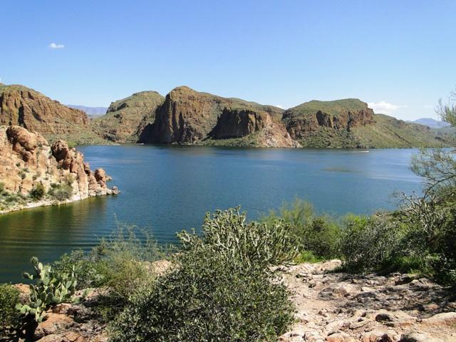 Jezioro Canyon (2013)