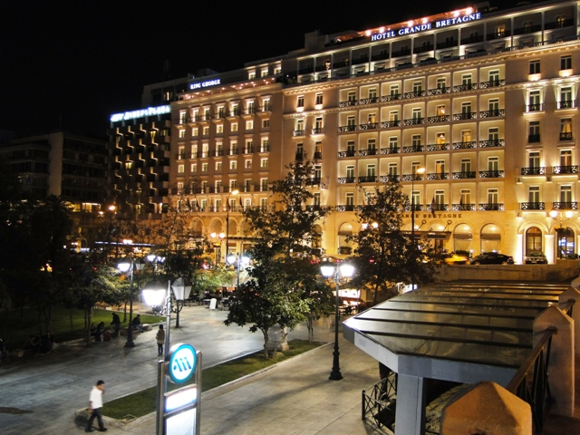 Plac Syntagma nocą / Constitution Square at night (9-11.11.2013)