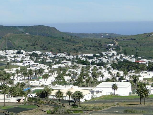 Lanzarote - miejscowość Haria na północy wyspy (6-13.01.2013)