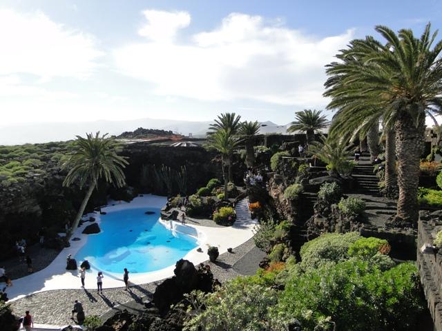 Lanzarote - Jameos del Aqua, system jaskiń pochodzenia wulkanicznego. Część jaskiń została zagospodarowana według projektu Césara Manrique z 1968 r.(6-13.01.2013)