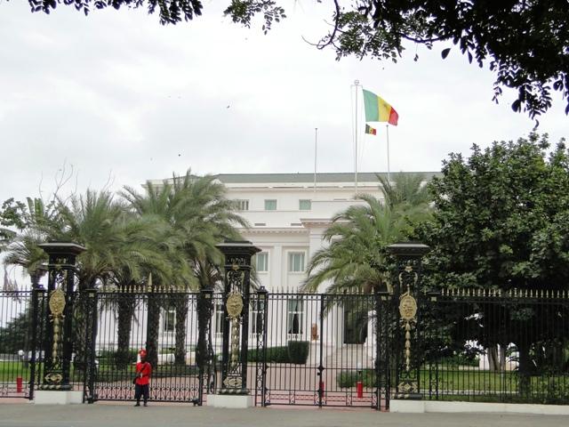 Pałac prezydencki w Dakarze, stolicy Senegalu (09.01.2014, szósty dzień objazdu)