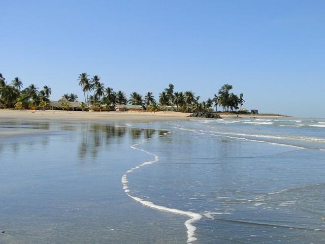 Plaża przy hotelu Ocean Bay na Cape Point w Bakau (11-17.01.2014)
