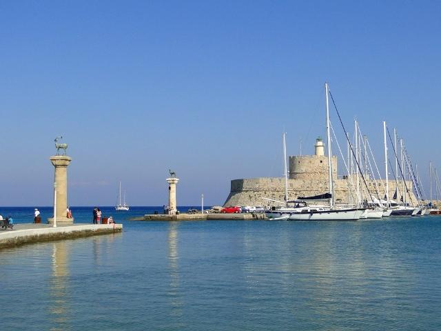 Miasto Rodos - port Mandraki i rzeźby jeleni będące symbolami wyspy (25.09-5.10.2015)